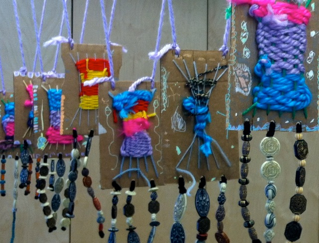 weaving projects Weaving with kids august 29,  what a great post i have been looking for simple, kid friendly weaving crafts and what a fun craft for kiddos to do to make their .