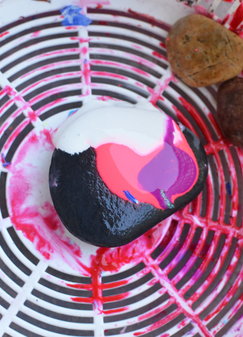 Rock Spin Art - Awesome Art Project for Kids