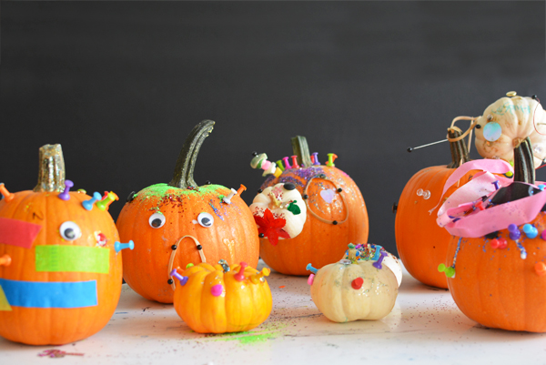 How to throw a Halloween Pumpkin Party -  Design your own pumpkins with kids