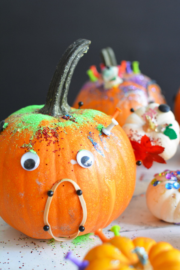 Halloween Art Project – Decorate Pumpkins with Tinker Trays
