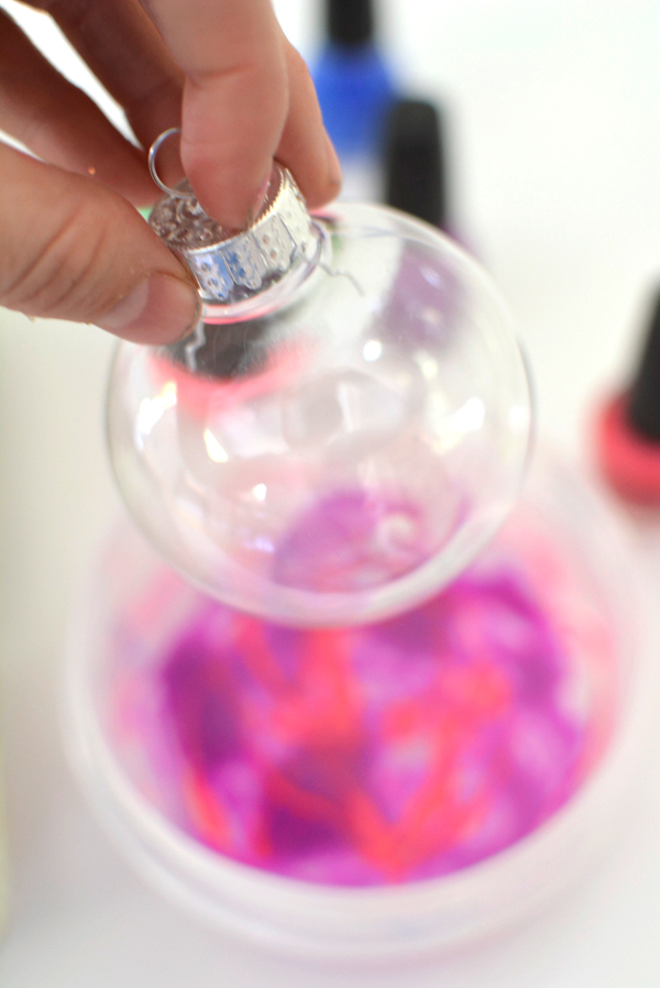 How to make marbled christmas ornaments with nail polish