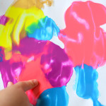 Smoosh Painting for toddlers - mess free easy painting for little kids