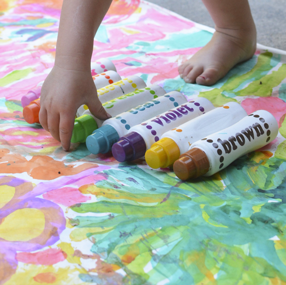 Paint dots are the most underrated art supply for young kids.  They can do way more than make dots!
