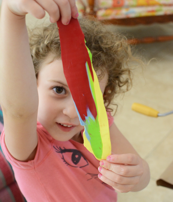 Kids LOVE sculpey! Such a fun art project.